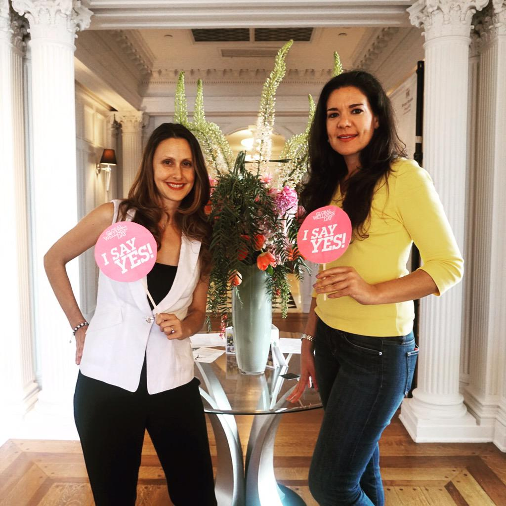 """Intuitive Life Coach @morganbmckean & Chef @jennystyle360 said """"YES"""" to #GlobalWellnessDay! #FSWellness http://t.co/trNb5evQaP"""