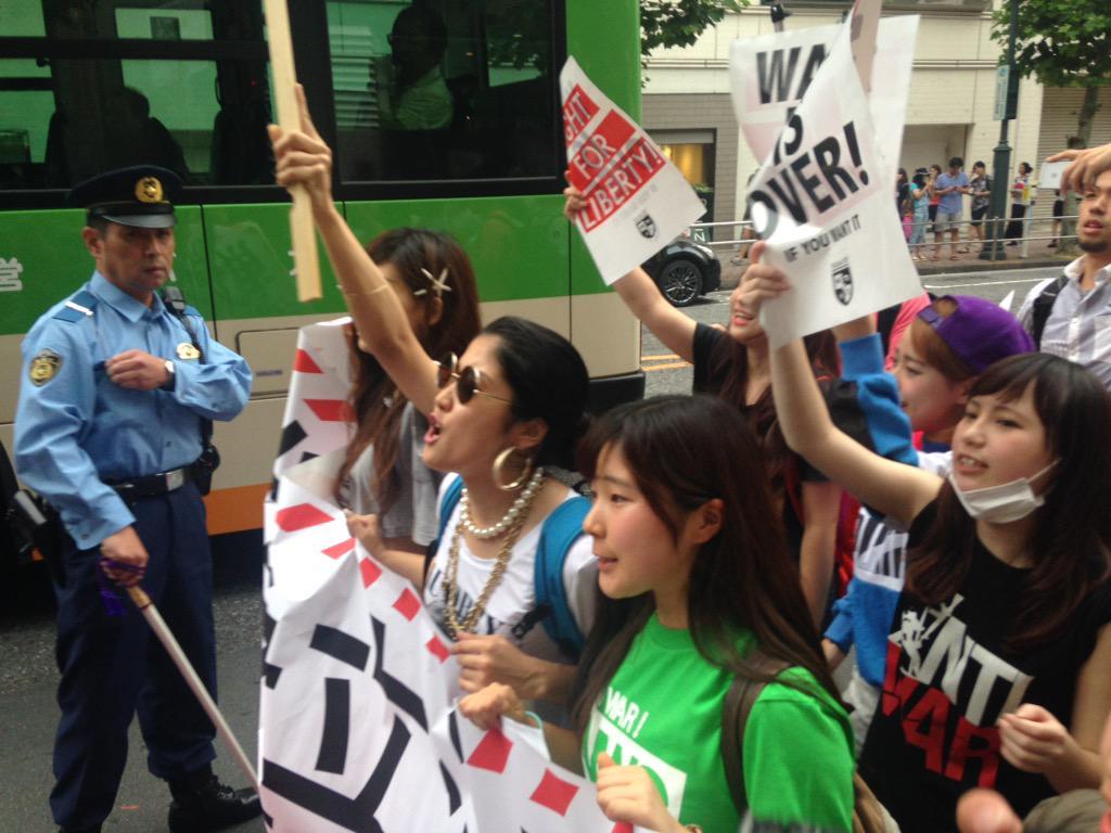 若者中心の戦争反対デモ、渋谷で盛り上がってます