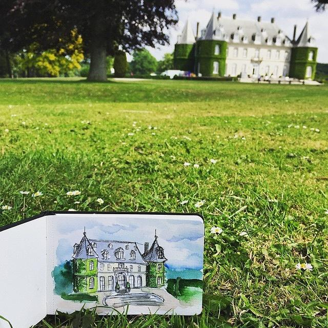 Perfect day for #sketching! The #castle of #lahulpe http://www.agenda.be/fr/place/229863/chateau-de-la-hulpe-domaine-regional-solvay.html … by @mashazurikova #Belgiumpic.twitter.com/kKbaBFhJad