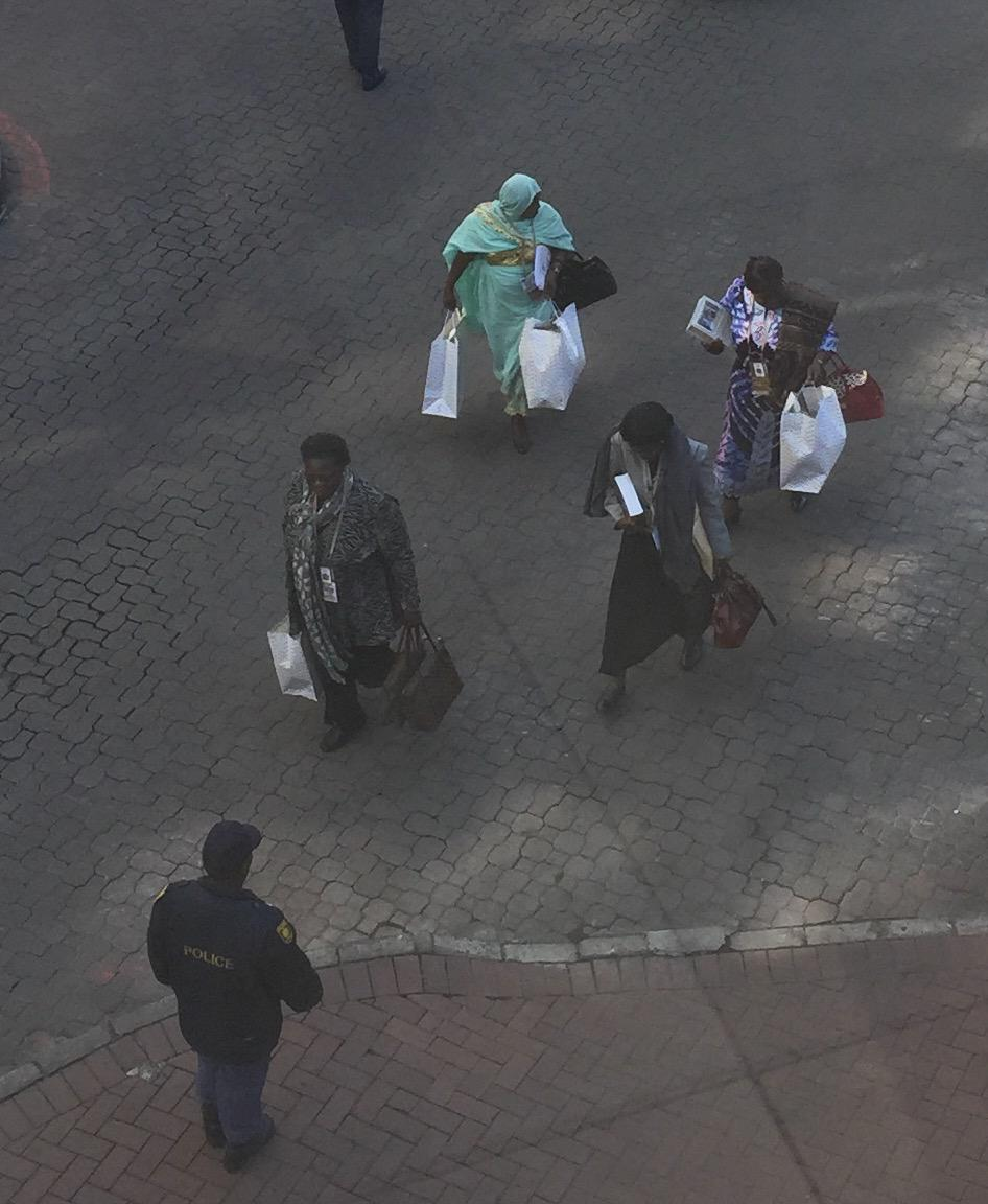 Attending the #AUSummit is hard work, especially when you're carrying shopping bags http://t.co/ySub2l8XL5