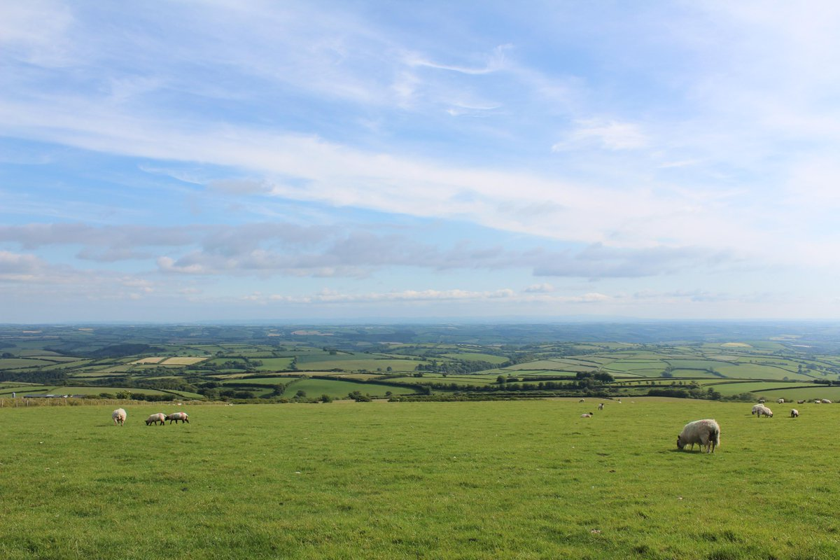 Fantastic walk on #Exmoor with Sunday lunch @ExmoorWhiteHors.  Amazing views! @visitexmoor @ExmoorNP @ExmoorMagazine