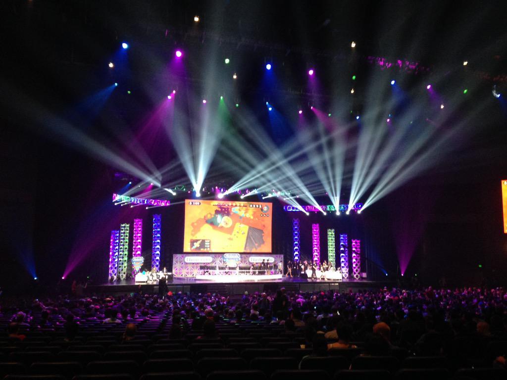 Nintendo World Championships 2015がスタートしました。ステージ1は『スプラトゥーン』(豊田)。 #E32015
