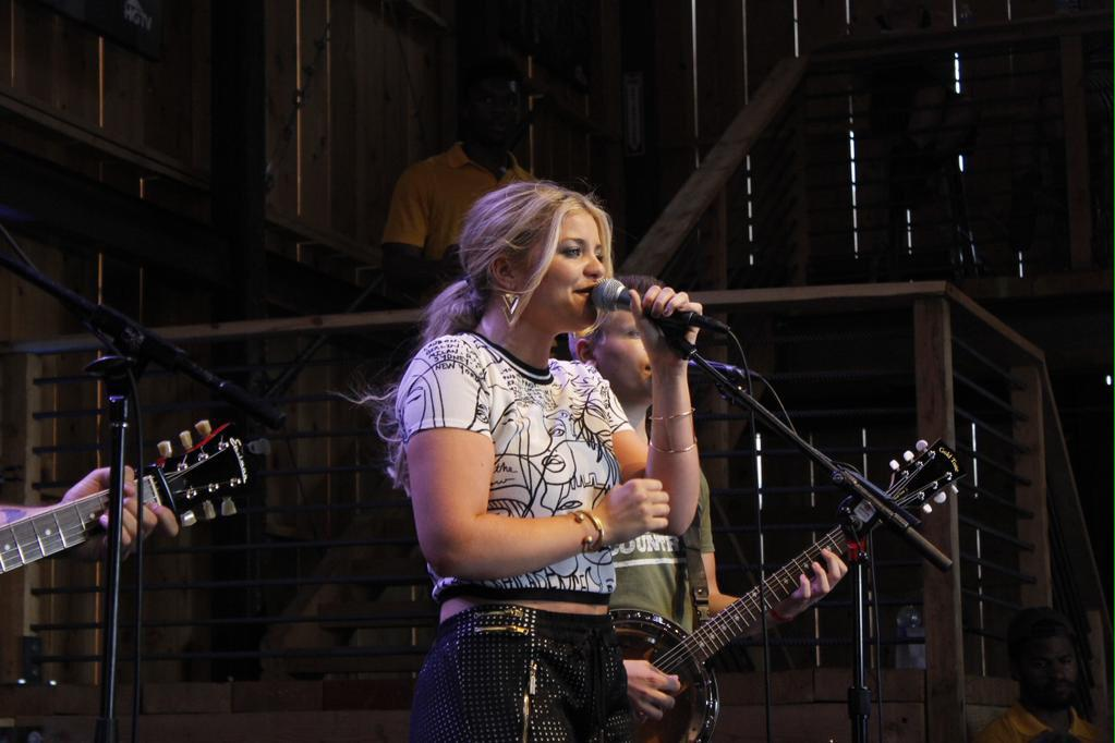 And for someone who had vocal cord surgery not so long ago, @Lauren_Alaina KILLED it! http://t.co/uEUrMV6Pz3