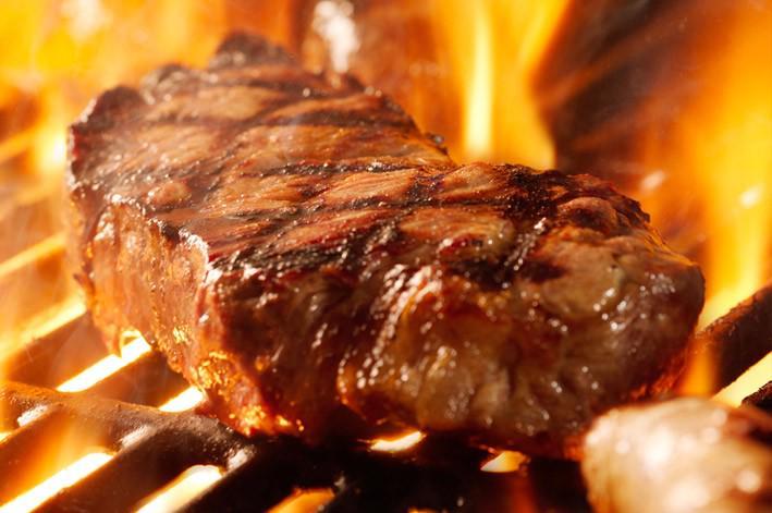 Cina: Scoperte migliaia di tonnellate di carne vecchia di decenni