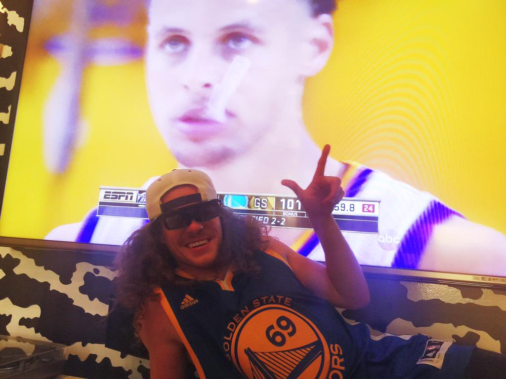 Congrats @UncleBlazer @warriors @LILBTHEBASEDGOD http://t.co/LUpdCXnDJK