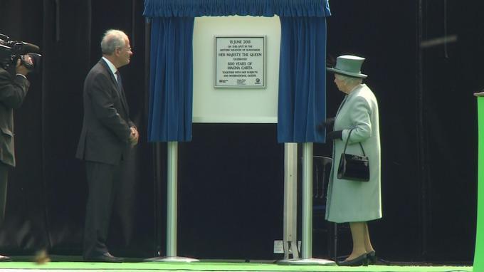 Casa Real de Gran Bretaña e Irlanda del Norte. - Página 8 CHiLtDzWIAAyQ_I