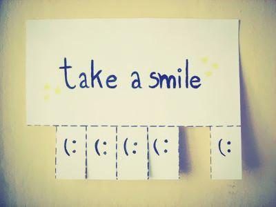 Let's get through Monday together... Take a smile & pass it on! #MondayMotivation http://t.co/Ghuy5zekHb