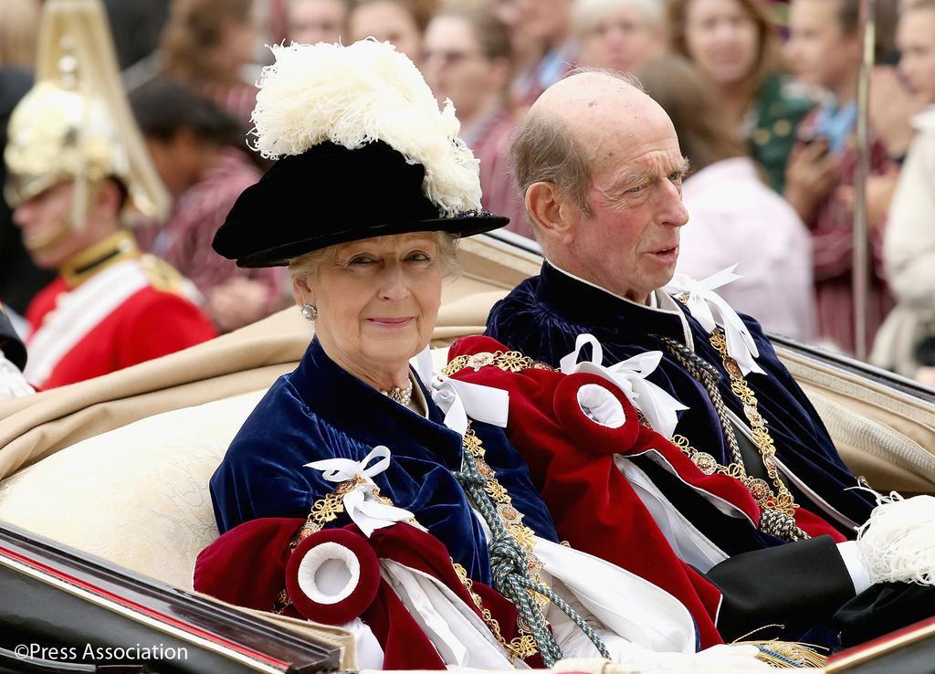 Casa Real de Gran Bretaña e Irlanda del Norte. - Página 8 CHizITWXAAITw5N