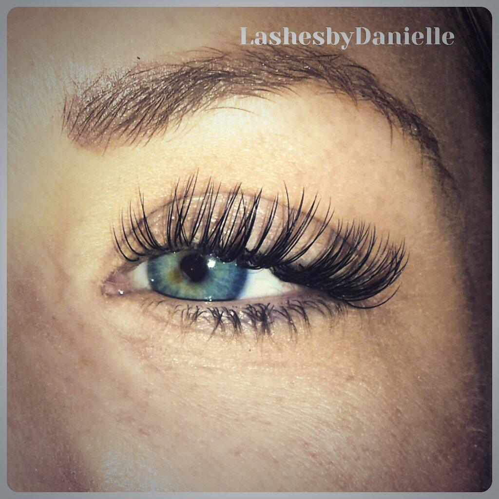 Lashes By Danielle Ladylash10 Twitter