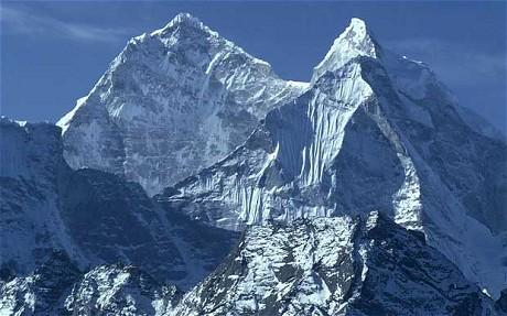 Mount Everest shifted 3 cm (1.2 inches) southwest due to #NepalQuake, reports Chinese media http://t.co/vYrKqv53dU http://t.co/Svi3jsQgxV