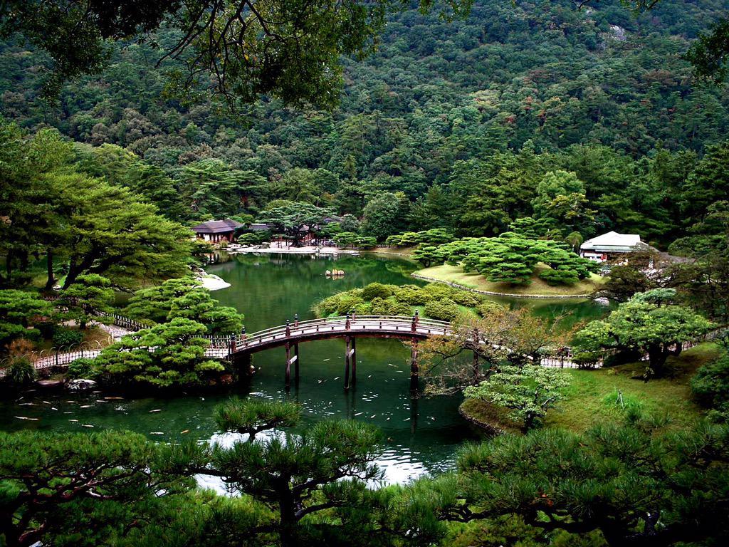 栗林公園  香川県高松市国の特別名勝に指定されており、巧みに配置された池や築山が作る風景が変化に富んでいることから 一歩一景と言われる pic.twitter.com/m3DdNEyk3a