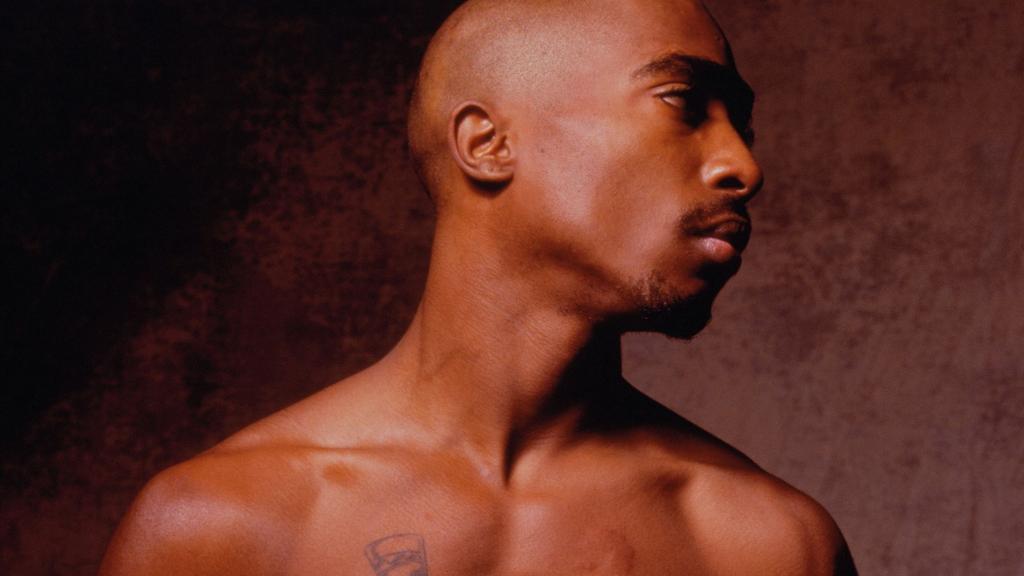 Born on this day in 1971: Tupac Amaru Shakur #RIP2Pac http://t.co/r5OCkJXxvk