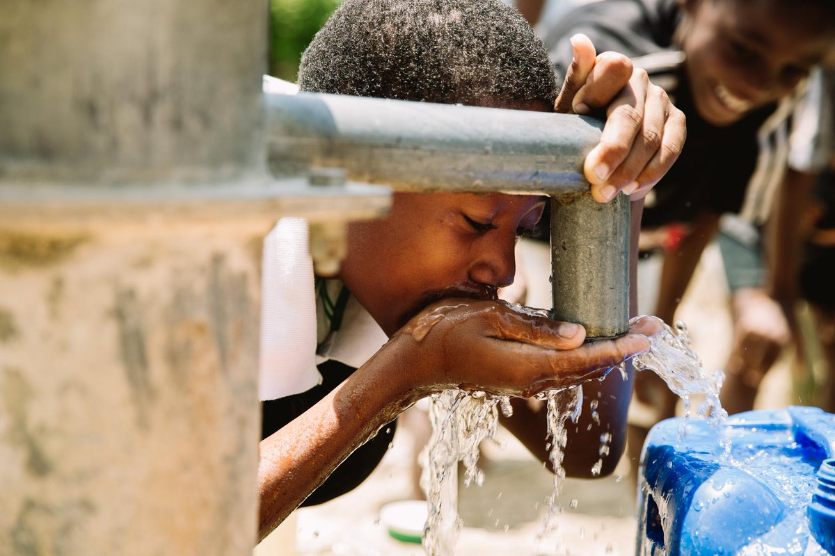 Recently spent a week in Haiti with @generosityorg  and witnessed what a huge impact access to clean water does. http://t.co/JK2wUHX8Ll