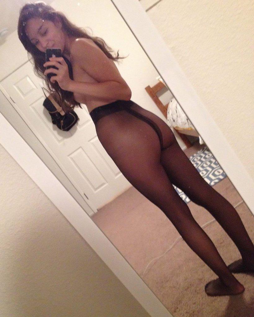 Selfie pantyhose