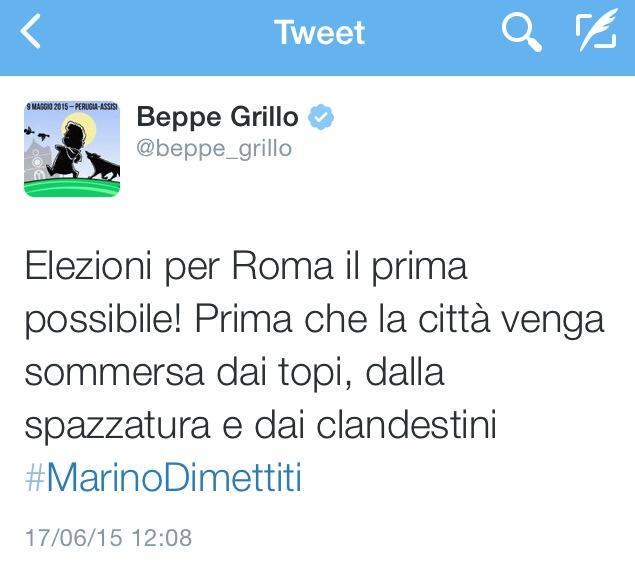 Il tweet contestato di Beppe Grillo (poi sostituito con un altro)