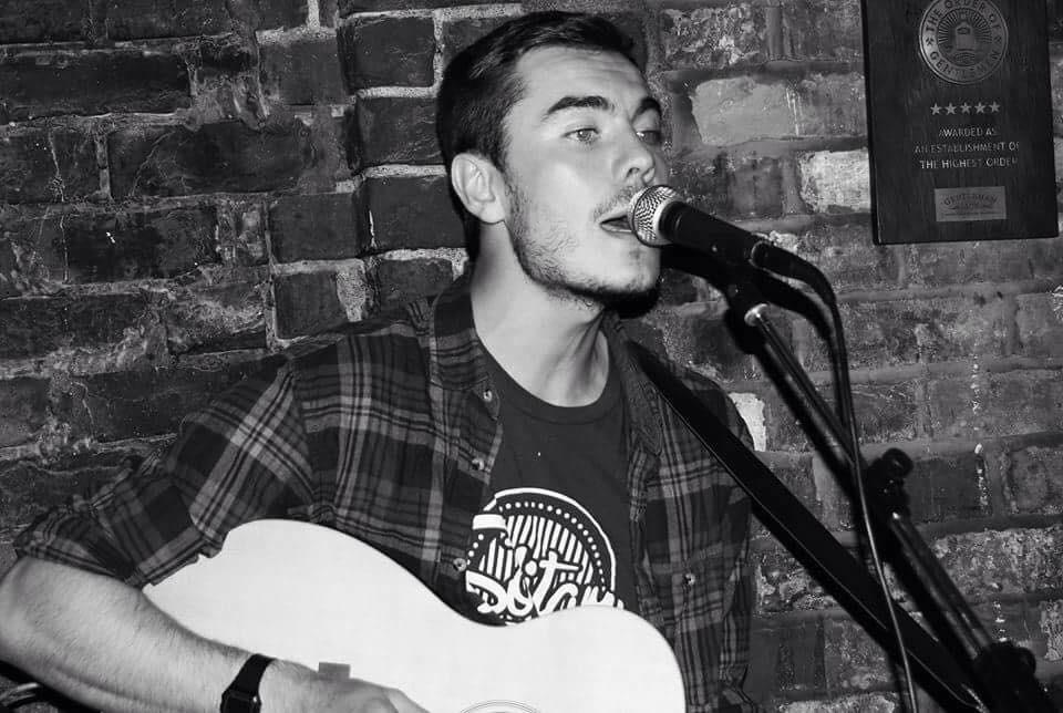 Live music SATURDAY 20TH 7-9.Alastair Dickie.Alastair Dickie is quite simply,one of the best guitarists in Manchester