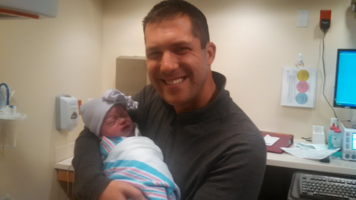 New dad @KOCOdamonlane shared his thoughts on fatherhood with us just in time for #FathersDay- http://t.co/PdBUh3LXV1 http://t.co/RB6Gxl4Hje
