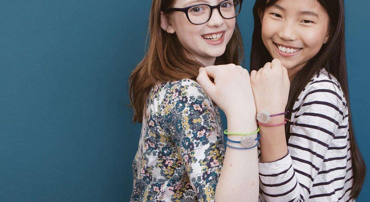 Friendship bracelets teach teenage girls how to code -- http://t.co/6ihP8gNsOD @jewelbots http://t.co/kY5zBC23pr