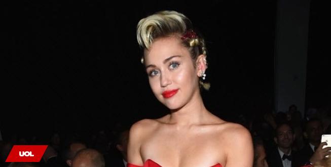 'Transar é fácil, difícil é achar alguém para conversar', diz Miley Cyrus http://t.co/qprYJwxSKn