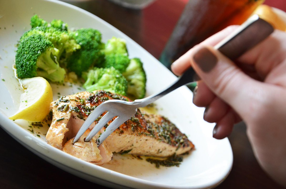 Olive Garden On Twitter Herb Grilled Salmon With Freshly Steamed Broccoli Yum Is Just The