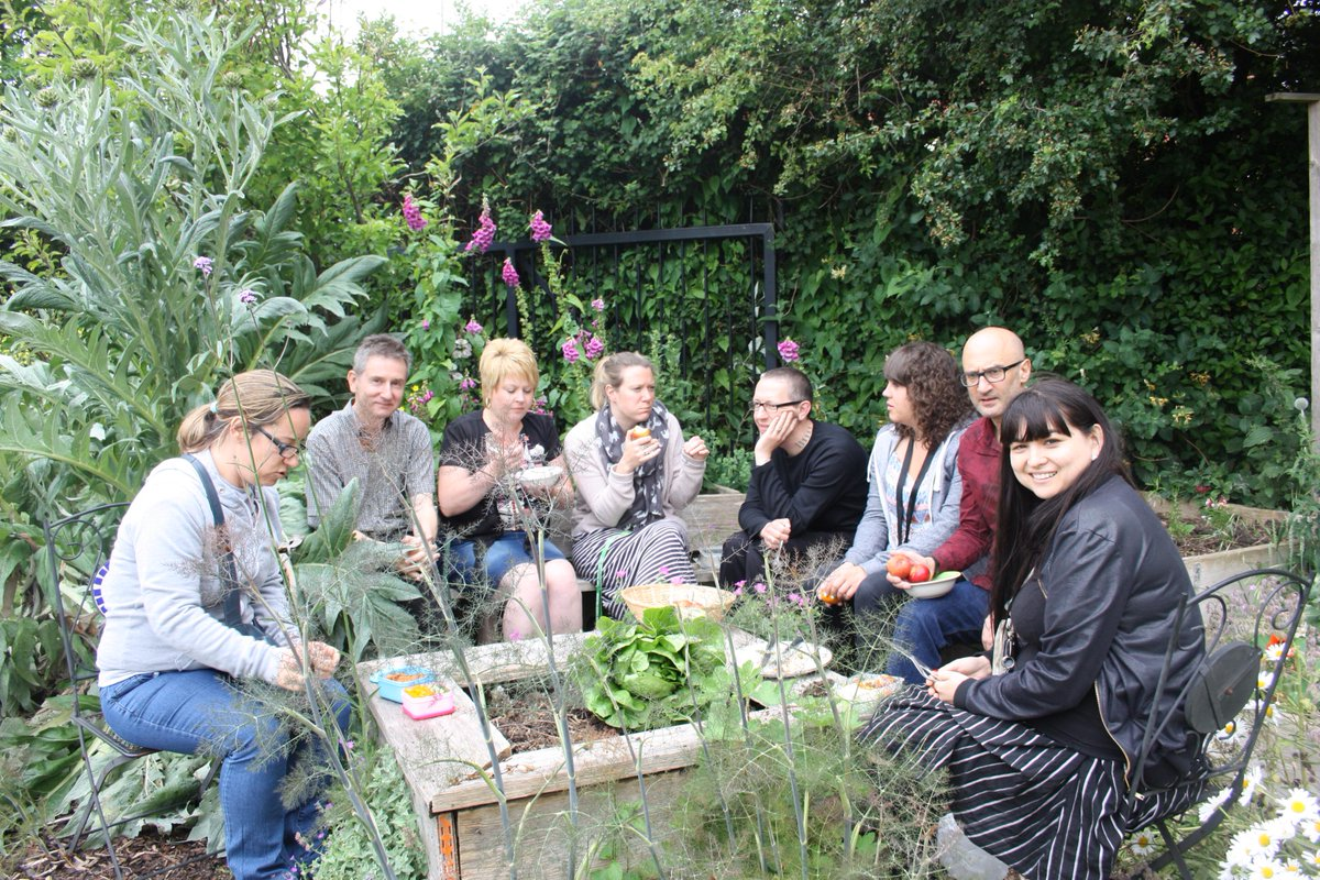 The @knowlewestmedia team shared lunch for Low Impact Day #BusinessGreenWeek @GoGreenBristol http://t.co/OWC0EaI0lq