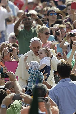 Catholics aren't the only people watching what @Pontifex has to say in #LaudatoSi. http://t.co/9T1LJhxnpZ http://t.co/mYaXZ71HCR