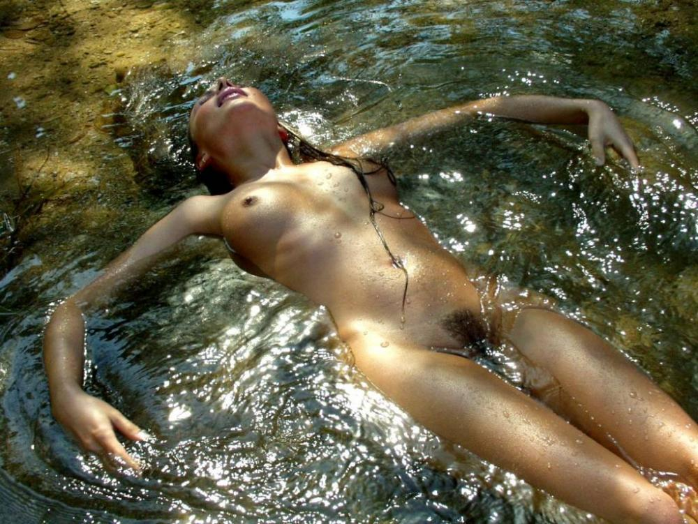 skinny dipping pussy
