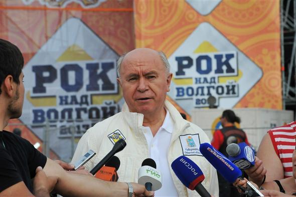 Украина получит первый транш макрофинансовой помощи от ЕС через несколько недель, - еврокомиссар Хан - Цензор.НЕТ 1616
