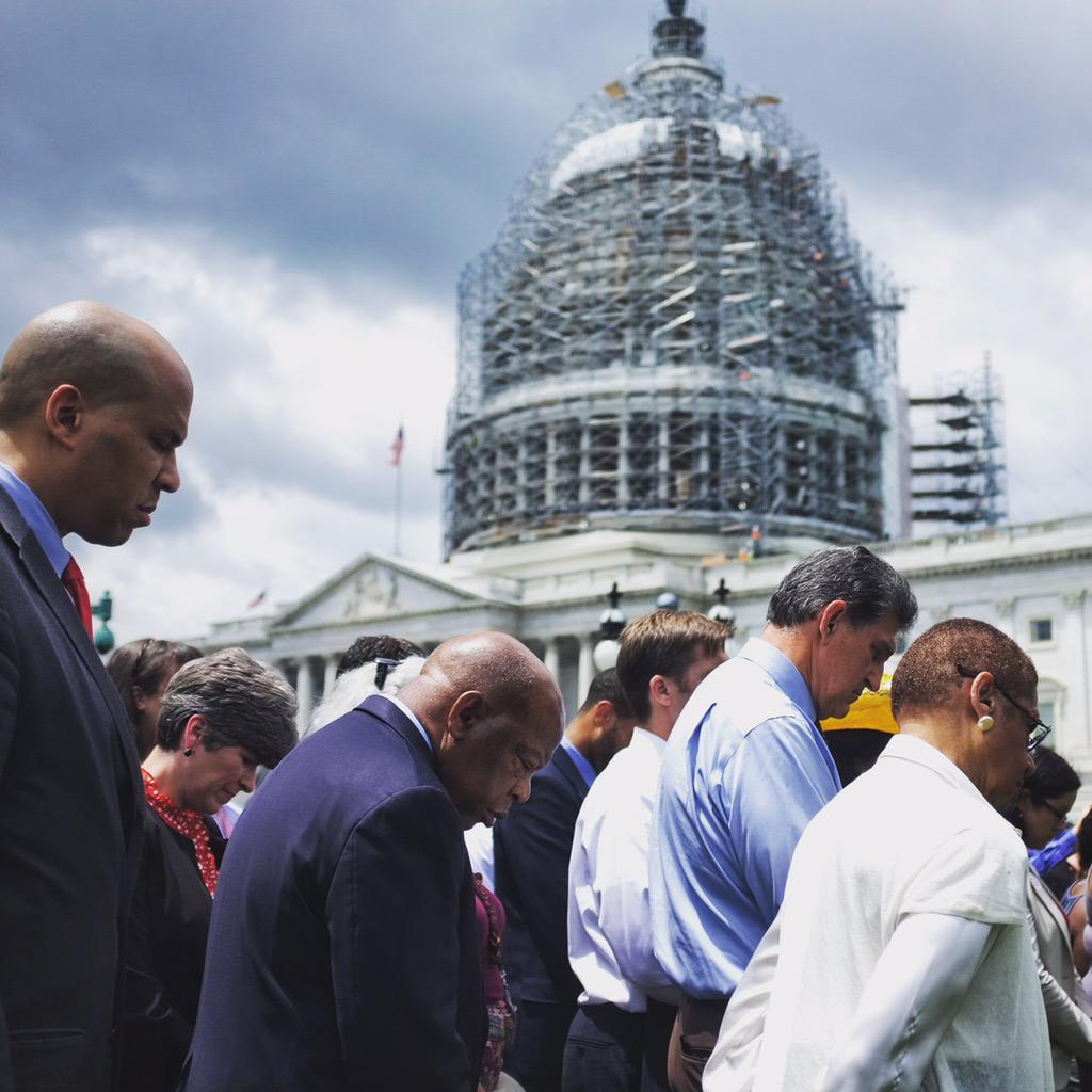"""Frank Thorp V On Twitter: """"Lawmakers Bow Their Heads In"""