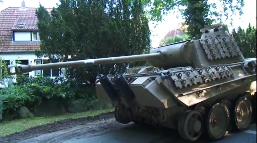 ドイツの村でパンター戦車や88Flak・魚雷等大戦中の兵器が発見される V1もあるよ!