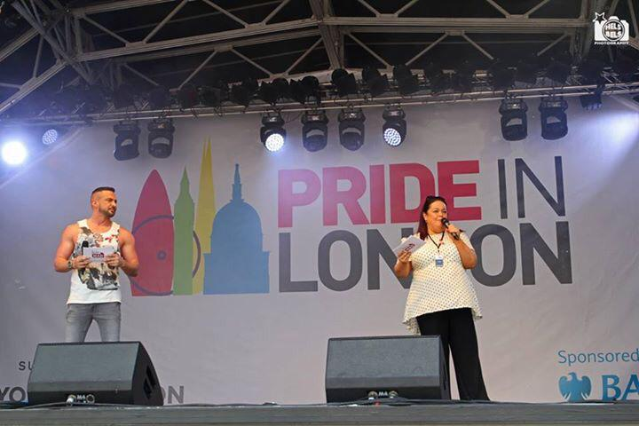 RT @RobinWFans: London Pride @helsbelsphoto @Robinwindsor  @Liverpool_Lassy #pride http://t.co/1IT7nLPJtE