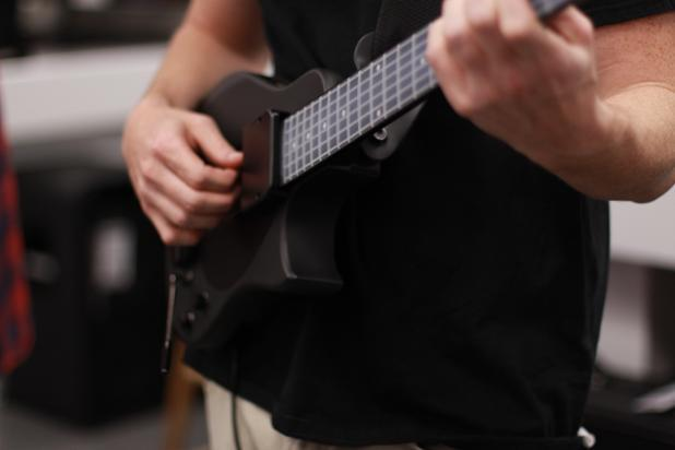 The most effective MIDI Guitar on the market. If you're a guitarist, and you want MIDI - http://t.co/WFT2g3vhzv http://t.co/PrbLuFqR6Q