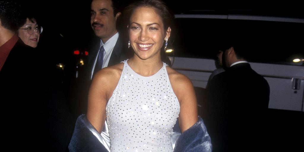 Remember this @JLo look? Even at the premiere of Selena she was rocking the glitzy gowns! http://t.co/y1OIGXd2xQ http://t.co/1DIxIK73J0