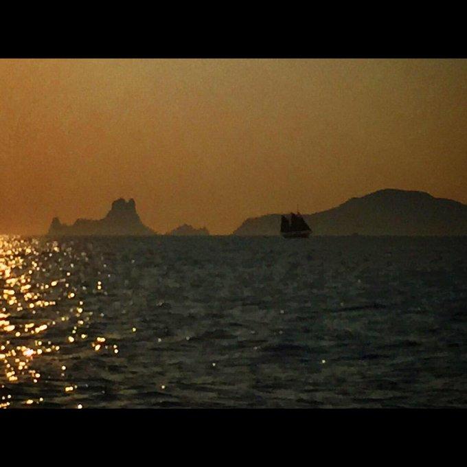Lets get lost! 🌅 😎  #minuevovicio es #vuelve #pau2015 #paurubio2015 #newmusic #esvedra #ibiza #sunset