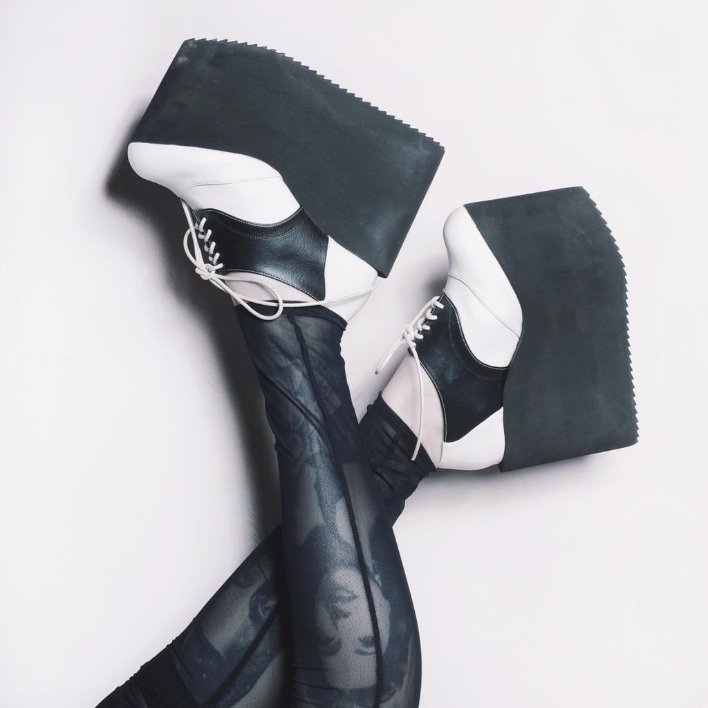 Shoes of the day: by @DEANDRIdesign http://t.co/Y4GmMpqNnH