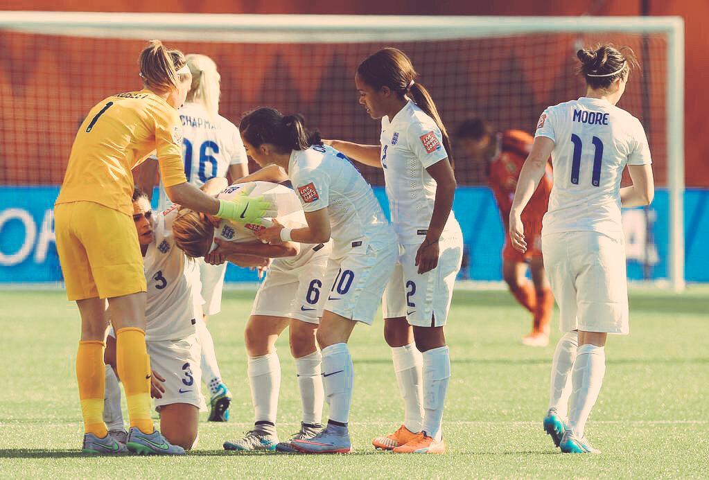残酷だけど サッカーに1人のせいなんてないよ。 時間がロスタイムだったことと クロスボールがよかった…それだけ。  間違いなく強かった、イングランド。 さすが、サッカーの母国。 http://t.co/8u4ho0PZGn