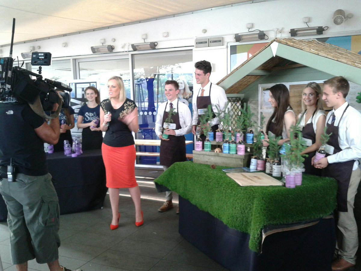 UK Company Final #YEfinal live on @BBCBreakfast with @stephbreakfast check it out now! http://t.co/ZQlQtJupQw