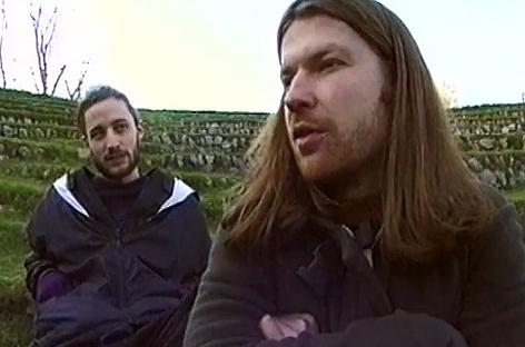 あらためてこのLuke VibertとAphex Twin、水曜どうでしょうで朝方のサービスエリアでゴネてる大泉と引いて様子見してるミスターに見える http://t.co/SstEUltS70