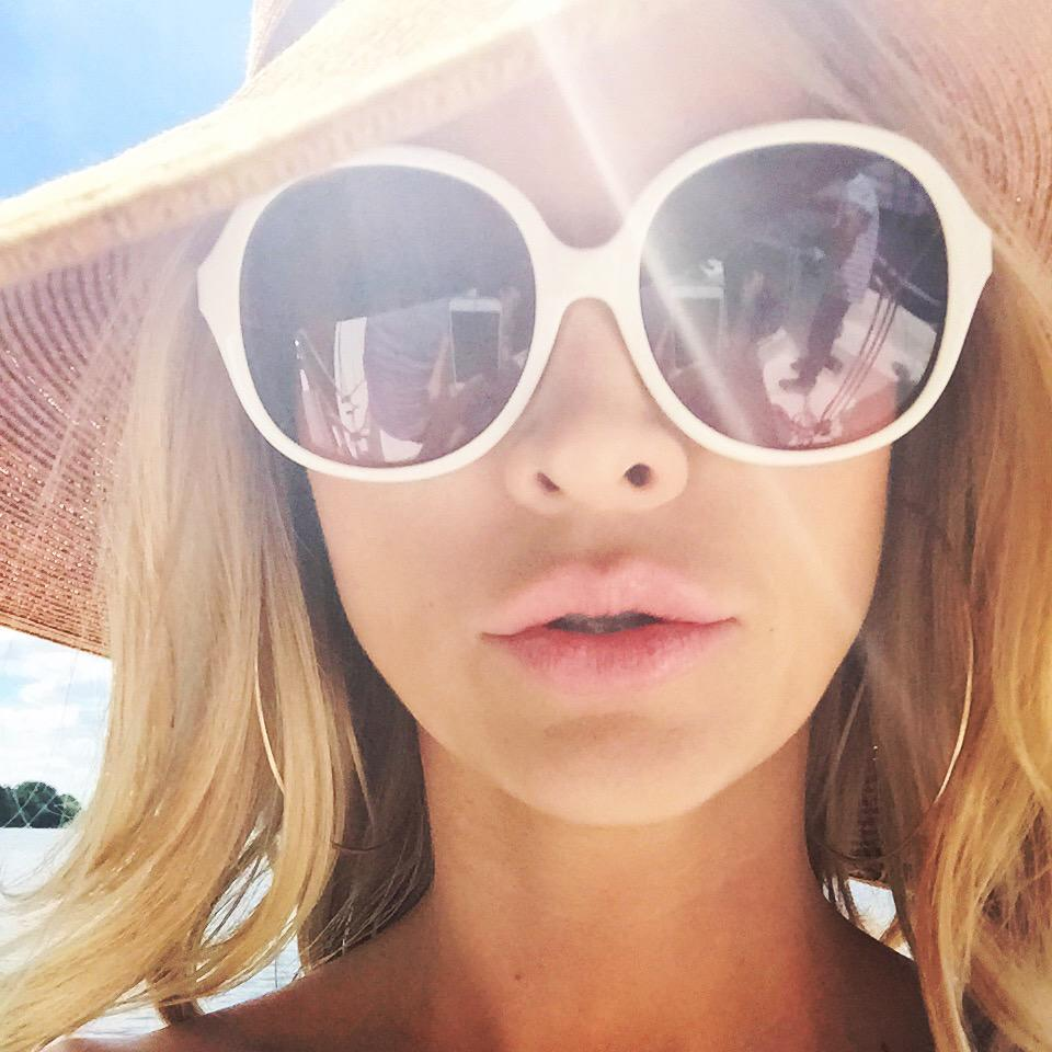 I see you #mazury filming @topmodelpolska sunglasses #Michael #kors #ilawa @tiffiworld#hotel http://t.co/L1Ov2ODuKG