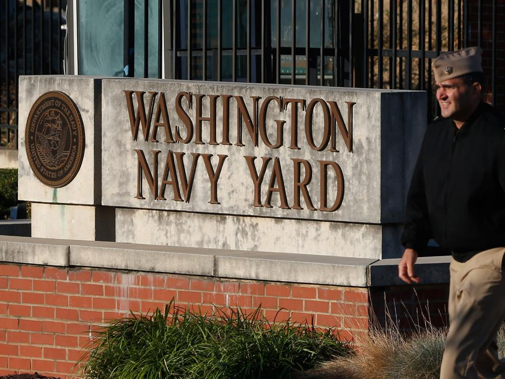 Official: Shots reported on Washington Navy Yard campus; lockdown underway http://t.co/vdiA5zT70U http://t.co/xj2nJHXWSS