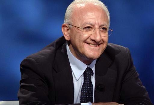 Vincenzo De Luca resta presidente della regione Campania