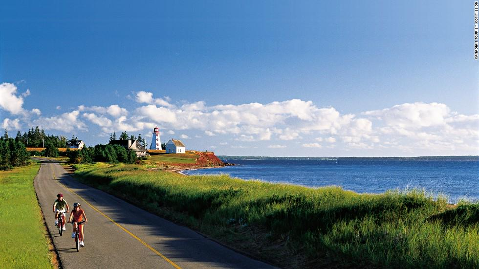 #PEI named as one of the most beautiful places in Canada by @CNN http://t.co/CBfSC8A7Uu http://t.co/LKvMLnUaRN