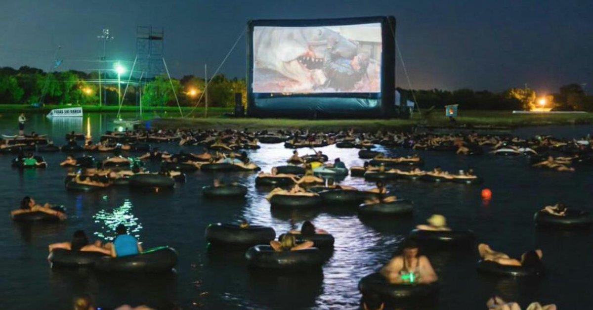 Wow, what a great way to watch JAWS @jeffrey @phatduckk