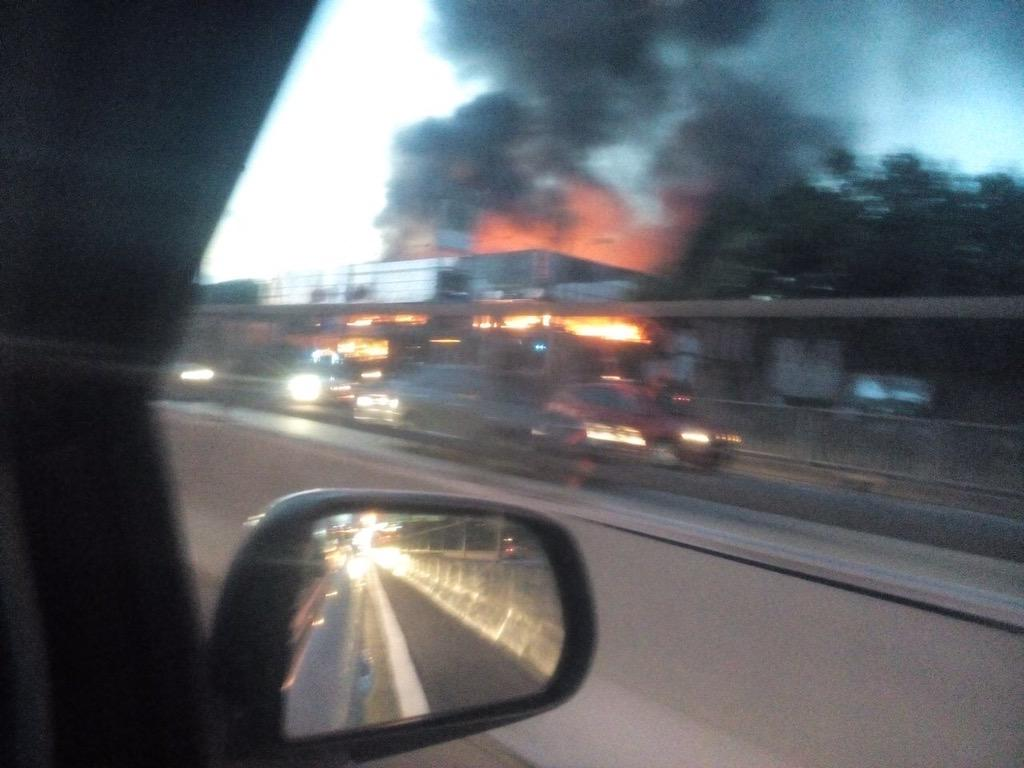 We got this from a resident. Happening right now, near Petron (Kayu Ara) off the Sprint Highway. Jams are building! http://t.co/Pn2rvZfiIs
