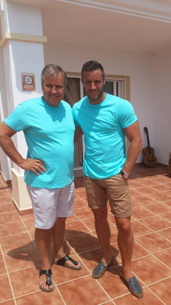 I'm supporting #fatherandsonday - find out how your help can build a #futurebeyondcancer http://t.co/o3cJAtgzfj http://t.co/Kc3F04tXIw