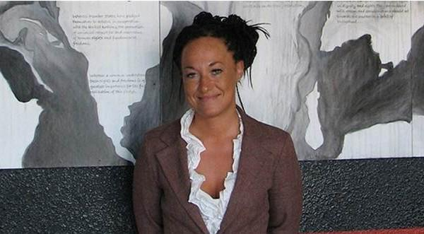 Kendini siyahi sanan beyaz kadının tuhaf hikayesi @illydem 'in kaleminden Dipnot Tablet'te – http://t.co/3EV0Z27KKj http://t.co/Zu1kjYl66j