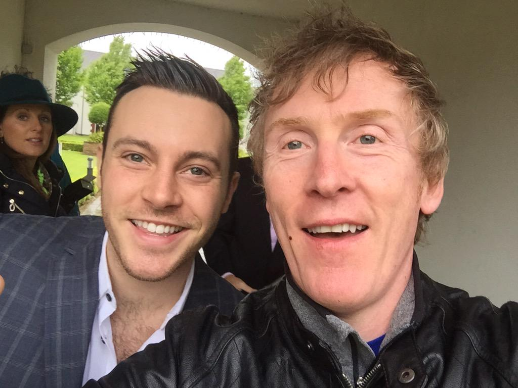 The Curragh this Fri Its @iamNATHANCARTER live & Ive 10 pairs Of tickets up for grabs & All you do is RT this tweet http://t.co/QbkhVnv4Dp