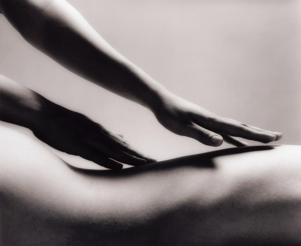 Черный массажист фото
