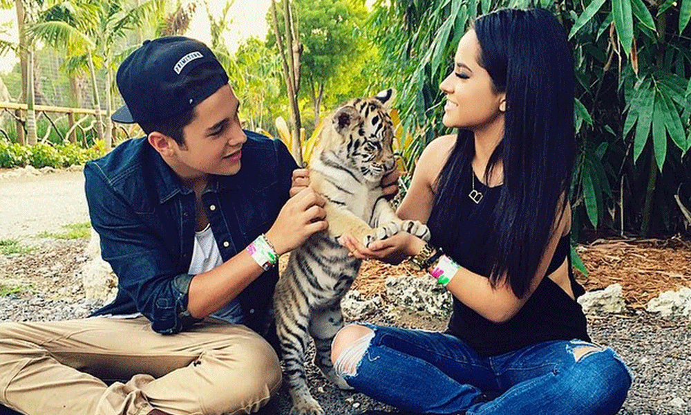 Is austin mahone dating becky g