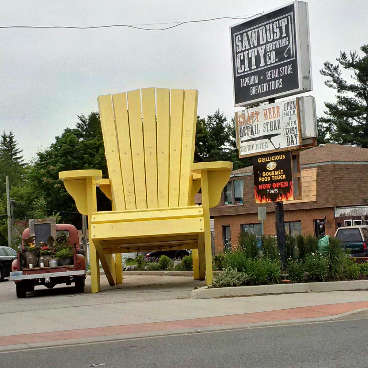 town of gravenhurst on twitter the big yellow muskoka chair has